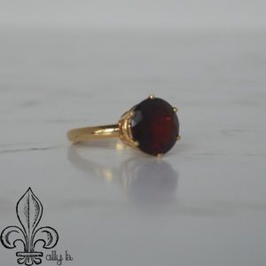Jewelry - HUGE 10Ctw Garnet & 14K Gold Solitaire Ring Size 9